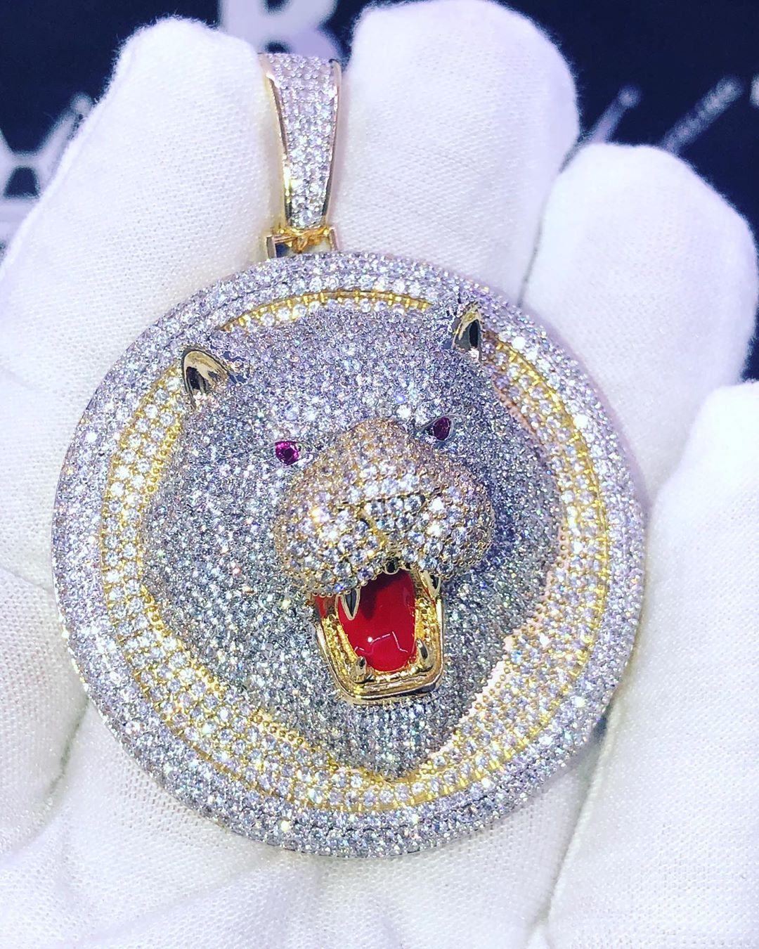 Limited edition bear head medallion, make your own at HipHopBling.com