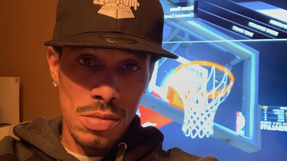 NBA2K with ya boys, come and find me to get the smackdown - Layzie Bone